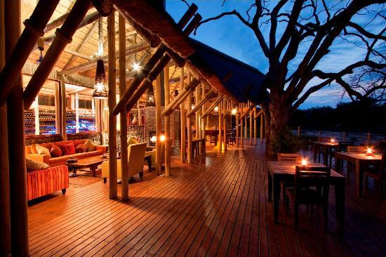 rhino-post-safari-lodge